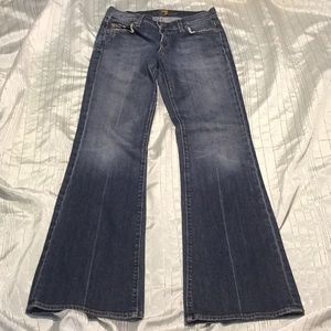 7 for All Mankind low rise flare new w/o tag!